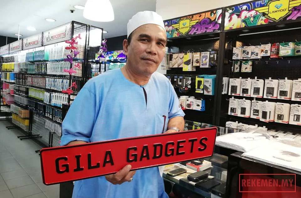 Pelanggan Kedai Repair Phone KL